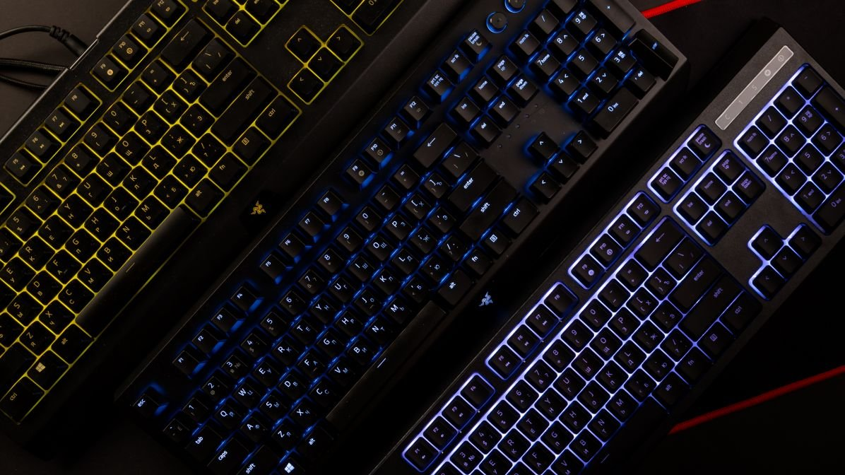 a6dfe678ca4 Razer keyboards: Cynosa Chroma vs Ornata Chroma vs Blackwidow Elite ...
