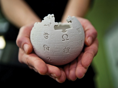 Made in China #2: finding on the moon, blocking Wikipedia and escaping companies from China